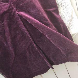 Velvet kick pleat pencil skirt.